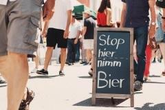 StopHier, NimmBier